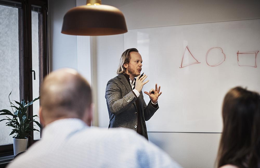 Gustav Blomberg, affärsrådgivare inom offentlig upphandling och inköp på Affärs-Concept