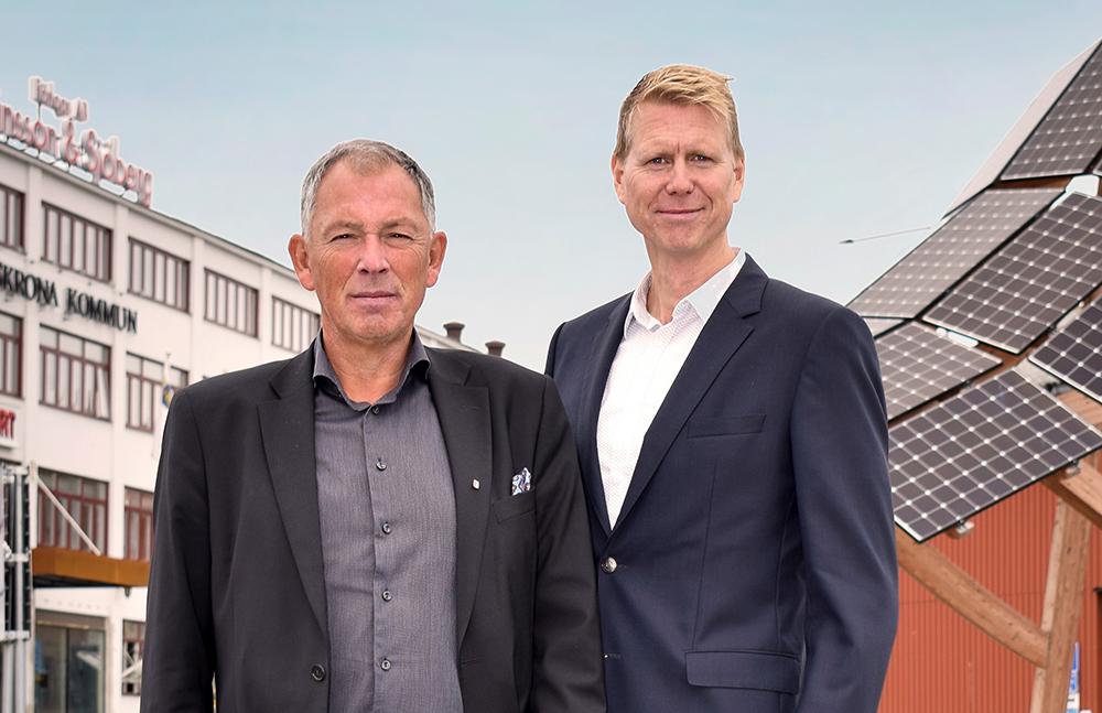 Carl-Martin Lanér, kommundirektör och Fredrik Sjölin, utvecklingschef IT.