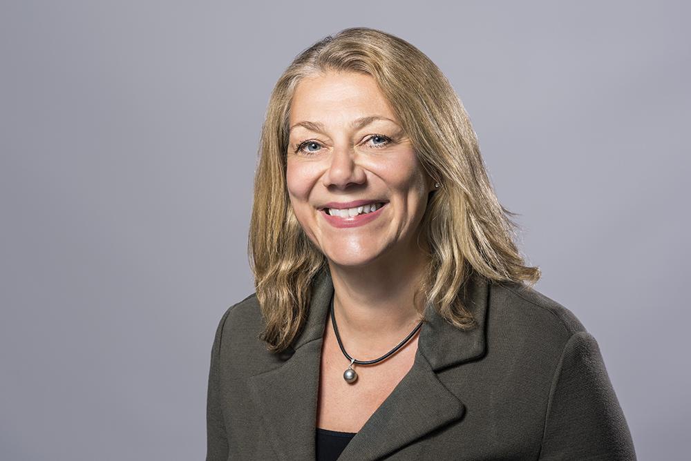 Ellen Hausel Heldahl, jurist och expert på offentlig upphandling på Svenskt Näringsliv. Foto: Ernst Henry Photography